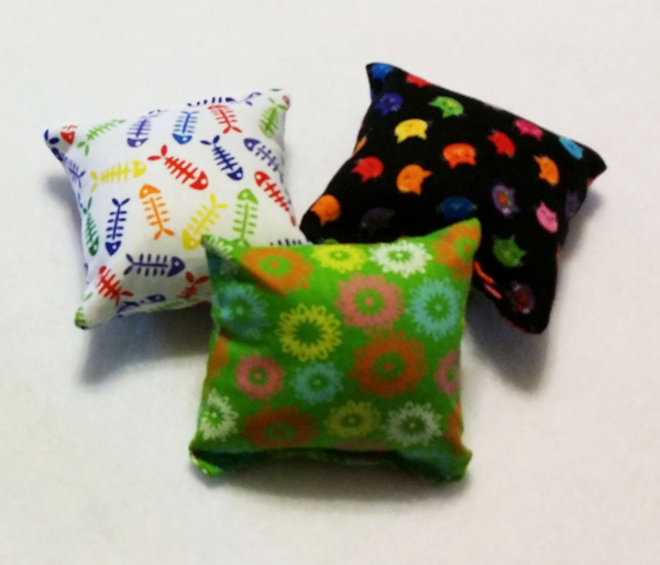 Catnip pillow cat toy the collar lady for Cat toys for when you re not home